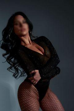 молодая проститутка Шакира , фото